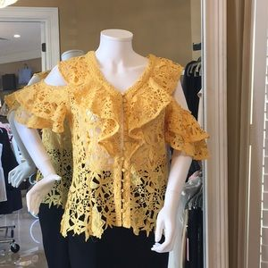 Queen Bee of Beverly Hills Yellow Embroidered Top